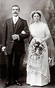 studio wedding photograph 1900s
