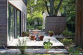 Modern Garden 1014