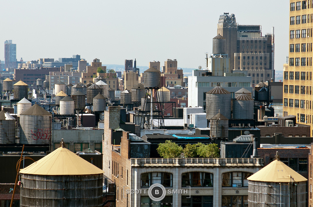new york city rooftop water storage tanks scott b smith imagery. Black Bedroom Furniture Sets. Home Design Ideas