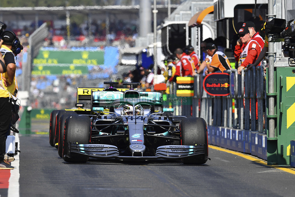 March 17, 2019 - Melbourne, Australia - Motorsports: FIA Formula One World Championship 2019, Grand Prix of Australia, ..#44 Lewis Hamilton (GBR, Mercedes AMG Petronas Motorsport) (Credit Image: © Hoch Zwei via ZUMA Wire)