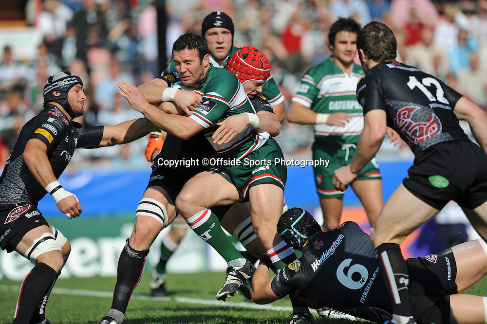 12/10/2008. Rugby Union. Heineken Cup, Pool 3. Leicester Tigers v Ospreys. Aaron Mauger is tackled by Jonathan Thomas and Alun Wyn Jones. Leicester, UK. Photo: Offside/Steve Bardens.