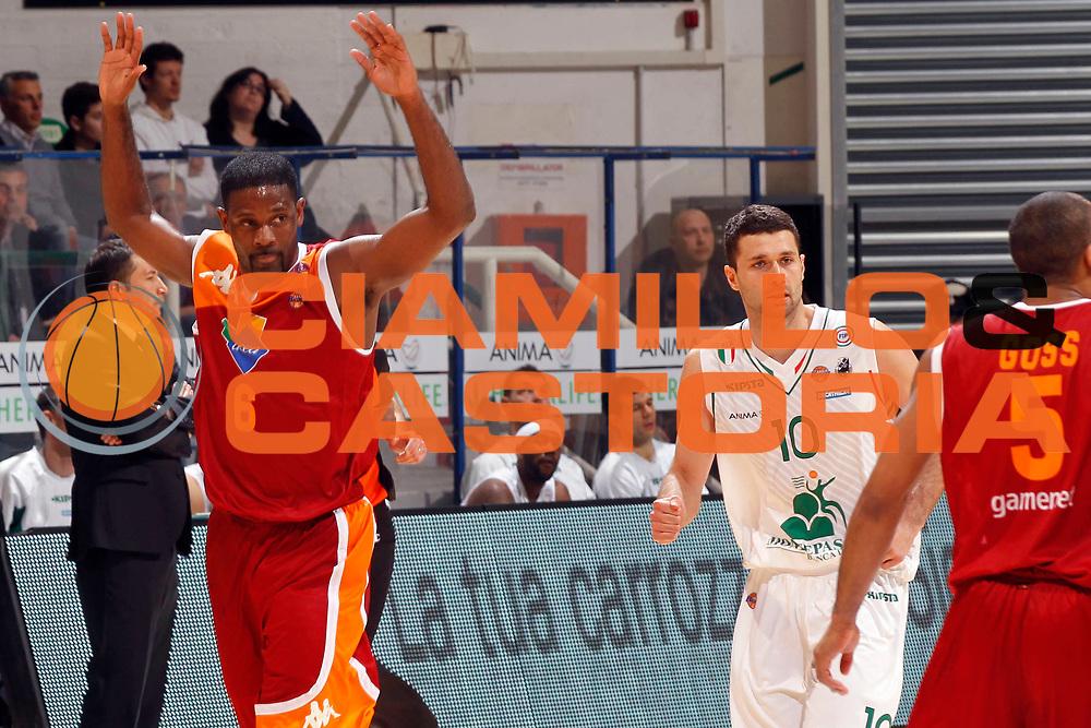 DESCRIZIONE : Siena Lega A 2012-13 Montepaschi Siena Acea Roma<br /> GIOCATORE : Bobby Jones<br /> CATEGORIA : esultanza<br /> SQUADRA : Acea Roma<br /> EVENTO : Campionato Lega A 2012-2013 <br /> GARA : Montepaschi Siena Acea Roma<br /> DATA : 11/03/2013<br /> SPORT : Pallacanestro <br /> AUTORE : Agenzia Ciamillo-Castoria/P.Lazzeroni<br /> Galleria : Lega Basket A 2012-2013  <br /> Fotonotizia : Siena Lega A 2012-13 Montepaschi Siena Acea Roma<br /> Predefinita :