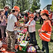 Nederland, Utrecht, 30-04-2012. Vrijmarkt speciaal voor kinderen in park Lepelenburg . FOTO: Gerard Til / Hollandse Hoogte