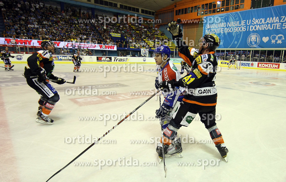 16.09.2011, Dom Sportova, Zagreb, CRO, EBEL, KHL Medvescak vs Moser Medical Graz99ers, im Bild // during EBEL Eishockey game betweent KHL Medvescak vs Moser Medical Graz99ers at Dom Sportova, Zagreb, Croatia on 16/09/2011. EXPA Pictures © 2011, PhotoCredit: EXPA/ nph/ Pixsell +++++ ATTENTION - OUT OF GERMANY/(GER), CROATIA/(CRO), BELGIAN/(BEL) +++++