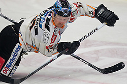 28.02.2010, Stadthalle, Villach, AUT, EBEL, EC VSV vs EHC Liwest Linz, im Bild Rob Shearer, 19, EXPA Pictures © 2010, PhotoCredit: EXPA/ J. Feichter / SPORTIDA PHOTO AGENCY