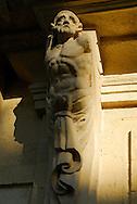 France, Languedoc Roussillon, Hérault, Montpellier, centre historique, l'Ecusson, la place de la Canourgue, détail, atlante, Hôtel particulier de Belleval