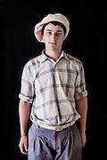 Javier Calvelo/ URUGUAY/ MONTEVIDEO/ FOTOGRAFIA/ Expoprado - Exposicion Rural del Prado de Montevideo/ Proyecto documental sobre la identidad, lo nacional, lo Uruguayo. Se trata de retratos simples mirando a camara y con un fondo neutro. Les pregunto a los fotografiados como quieren ser recordados en el futuro y de que localidad del Uruguay son.<br /> El titulo esta basado en la obra de Raymond Firth, Tipos Humanos. (Raymond William Firth, ( 1901-2002) fue un etn&oacute;logo neozeland&eacute;s profesor de Antropolog&iacute;a en la London School of Economics, es uno de los fundadores de la antropolog&iacute;a econ&oacute;mica brit&aacute;nica). <br /> En la foto:  Tipos Humanos en Expoprado, Sebastian Gomez, Minas. Foto: Javier Calvelo <br /> sebagomez06@hotmail.com<br /> 2013-09-06 dia viernes