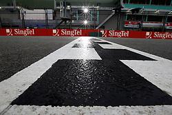 Motorsports / Formula 1: World Championship 2010, GP of Singapore, circuit, finish line, Ziellinie