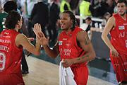 DESCRIZIONE : Avellino Lega A 2010-11 Air Avellino Armani Jeans Milano<br /> GIOCATORE : David Hawkins<br /> SQUADRA : Armani Jeans Milano<br /> EVENTO : Campionato Lega A 2010-2011<br /> GARA : Air Avellino Armani Jeans Milano<br /> DATA : 03/04/2011<br /> CATEGORIA : esultanza mani<br /> SPORT : Pallacanestro<br /> AUTORE : Agenzia Ciamillo-Castoria/GiulioCiamillo<br /> Galleria : Lega Basket A 2010-2011<br /> Fotonotizia : Avellino Lega A 2010-11 Air Avellino Armani Jeans Milano<br /> Predefinita :