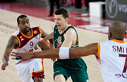 Vlado Ilievski (6) of Olimpija between Darius Washington  (9) of Lottomatica and Charles Smith (7) of Lottomatica during Euroleague Top 16 basketball match between Lottomatica Virtus Roma (ITA) and KK Union Olimpija Ljubljana (SLO) in Group F, on January 20, 2011 in Arena PalaLottomatica, Rome, Italy. (Photo By Vid Ponikvar / Sportida.com)