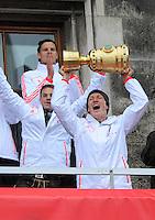 FUSSBALL TRIPELPARTY  SAISON  2012/2013  02.06.2013 Champions Party des FC Bayern Muenchen nach dem Gewinn des DFB Pokal und Triple.  Bastian Schweinsteiger jubelt mit dem DFB Pokal