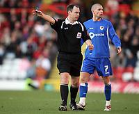 Photo: Rich Eaton.<br /> <br /> Bristol City v Millwall. Coca Cola League 1. 16/12/2006. referee Mr Shoebridge