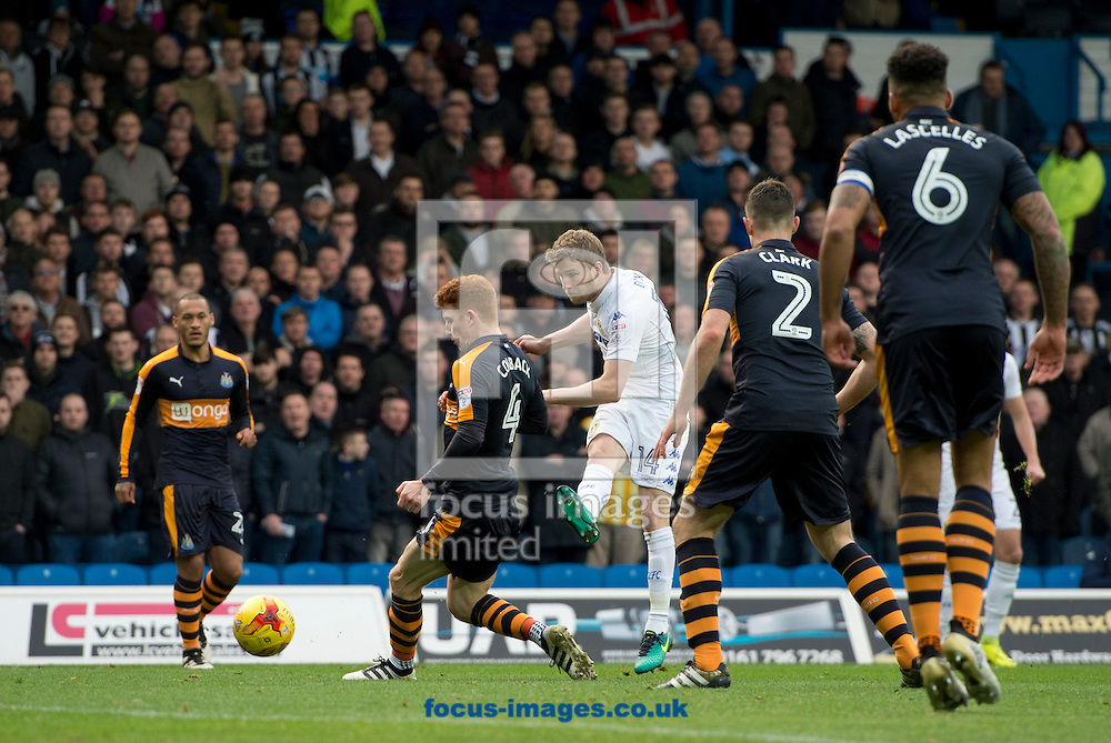 Eunan O'Kane of Leeds United shoots at goal during the Sky Bet Championship match at Elland Road, Leeds<br /> Picture by Russell Hart/Focus Images Ltd 07791 688 420<br /> 20/11/2016