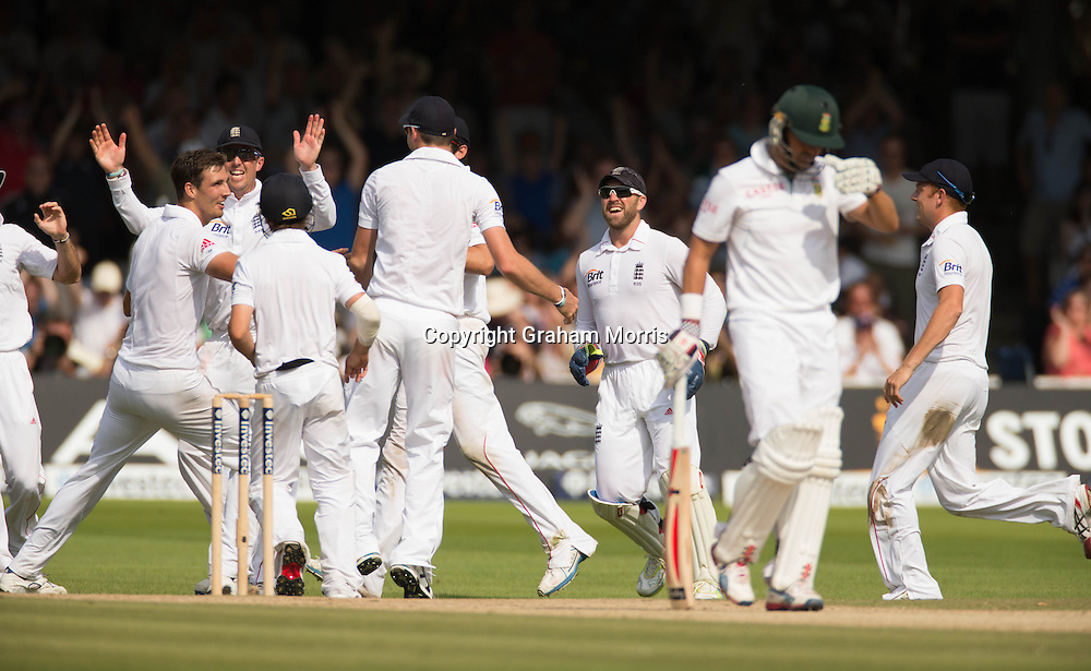Steven Finn (left) celebrates the wicket of Jacques Rudolph during the third and final Investec Test Match between England and South Africa at Lord's Cricket Ground, London. Photo: Graham Morris (Tel: +44(0)20 8969 4192 Email: sales@cricketpix.com) 19/08/12