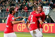 ALKMAAR - 26-09-2015, AZ - Heracles Almelo, AFAS Stadion,  AZ speler Jeffrey Gouweleeuw (m) heeft de 2-0 gescoord, AZ speler Muamer Tankovic (r), AZ speler Joris van Overeem.