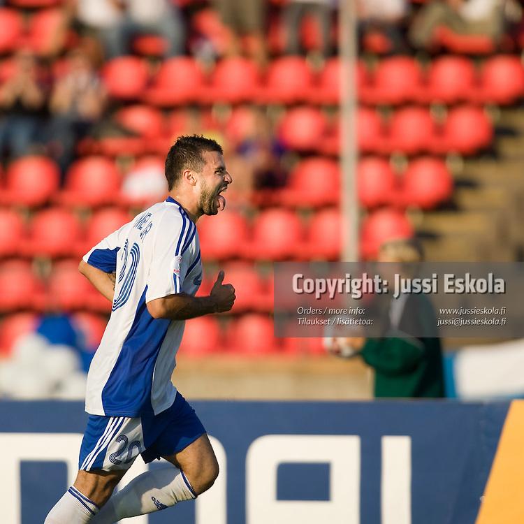 Aleksei Eremenko Jr juhlii maalia. Suomi - Kazakstan, Tampere, EM-karsinta 22.8.2007. Photo: Jussi Eskola