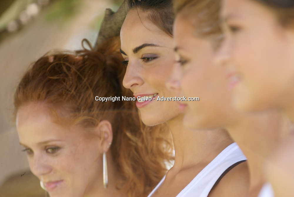 AdLlib Fashion Show 2009 in Ibiza. Plenty of household names graced the platform, along with the show's hostess Maria Castro, who plays Jessi in TV fave 'There's no Paradise without Tits'. Well known models Veronica Blume, Elisabeth Reyes, Eugenia Ortiz Domecq (Bertin Osborne's daughter) and Carla Pereyra (an Argentinean model who is Joaquín Cortes' current girlfriend) top the lists in this year's event. The casting includes some glamorous Spanish models on the international scene: Lourdes Coteron, the winner of the best model award at last year's Cibeles Fashion Show, Elisabeth Mas, Yanilka Ortiz, Mayte de la Iglesia and Sabrina Serrat.