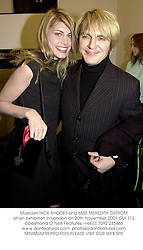Musician NICK RHODES and MISS MEREDITH OSTROM at an exhibition in London on 20th November 2001.	OUI 112.