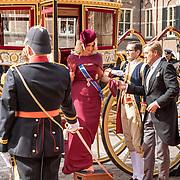 NLD/Den Haag/20190917 - Prinsjesdag 2019, Koning Willem Alexander en Koningin Maxima komen aan met de koets