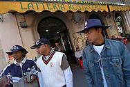 Roma, 04/06/2006: La squadra di cricket Bangla Roma in partenza da Tor Pignattara per Gallicano dove incontrerà la squadra del Latina per il campionato di serie B.