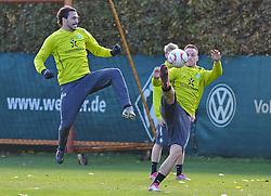 25.10.2010, Trainingsgelaende Werder Bremen, Bremen, GER, 1. FBL, Training Werder Bremen, im Bild Hugo Almeida (Bremen #23, links), Marko Arnautovic (Bremen #7, rechts)   EXPA Pictures © 2010, PhotoCredit: EXPA/ nph/  Frisch+++++ ATTENTION - OUT OF GER +++++