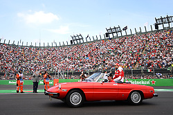 Formel 1: GP von Mexiko 2016 - Rennen in Mexiko-Stadt / 301016<br /> <br /> ***Sebastian Vettel (GER) Ferrari on the drivers parade.<br /> 30.10.2016. Formula 1 World Championship, Rd 19, Mexican Grand Prix, Mexico City, Mexico, Race Day.<br />  Copyright: Price / XPB Images / action press ***