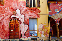 Italie, Emilie Romagne, village de Dozza // Italy, Emilia Romagna, Bologne district, painted village of Dozza