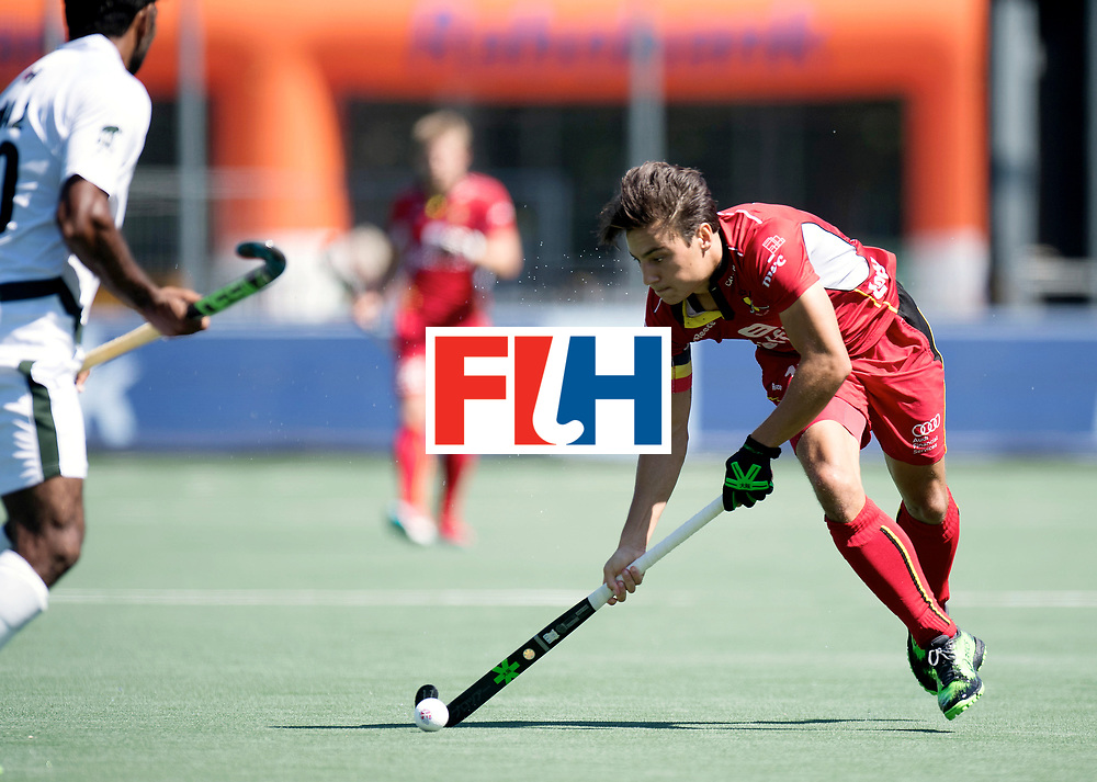 BREDA - Rabobank Hockey Champions Trophy<br /> Belgium - Pakistan<br /> Photo: Thomas Briels.<br /> COPYRIGHT WORLDSPORTPICS FRANK UIJLENBROEK