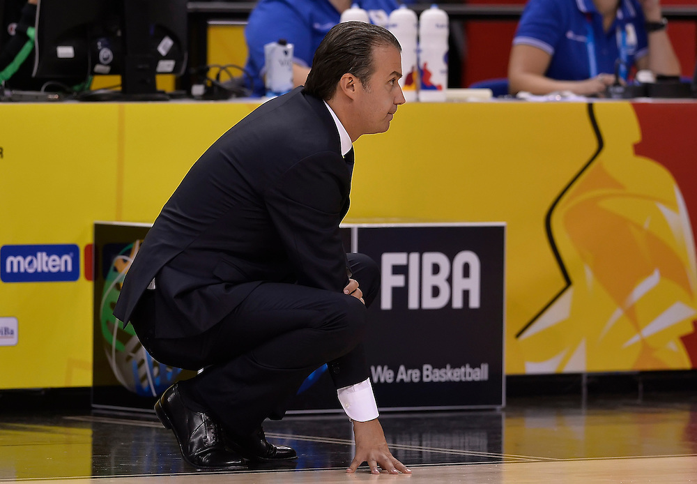 DESCRIZIONE : Berlino Eurobasket 2015 Islanda Italia<br /> GIOCATORE : Simone Pianigiani<br /> CATEGORIA : coach allenatore<br /> SQUADRA : Italia<br /> EVENTO : Eurobasket 2015<br /> GARA : Islanda Italia<br /> DATA : 06/09/2015<br /> SPORT : Pallacanestro<br /> AUTORE : Agenzia Ciamillo&shy;Castoria/R.Morgano<br /> Galleria : Eurobasket 2015<br /> Fotonotizia : Berlino Eurobasket 2015 Islanda Italia