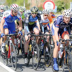 02-05-2015: Wielrennen: Ronde van Overijssel mannen: Rijssen  <br />RIJSSEN (NED) wielrennen:  De 63e ronde van Overijssel heeft als zwaarte punt de heuveltjes rond Ootmarsum en de Sallandse heuvelrug. Net als in de ronde van Vlaanderen kent men in Overijssel het dorp van de ronde. In 2015 is de eer aan Markelo.<br />Jasper Hamelink (Raalte) was zeer attent in het begin vna de koers en was de sterkste in de het dorp van de ronde sprint in Markelo