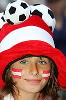 GEPA-0706085332 - SALZBURG,AUSTRIA,07.JUN.08 - FUSSBALL - UEFA Europameisterschaft, EURO 2008, Host City Fan Area Salzburg, Fanmeile, Fan Meile, Public Viewing, Fan Zone. Bild zeigt einen Fan von Oesterreich.<br />Foto: GEPA pictures/ Sebastian Krauss