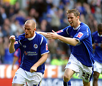 Photo: Dave Linney.<br />Leicester City v Crystal Palace. Coca Cola Championship. 21/10/2006. Leicester City's Iain Hume(L) celebrates after making it 1-1 from the penalty spot.