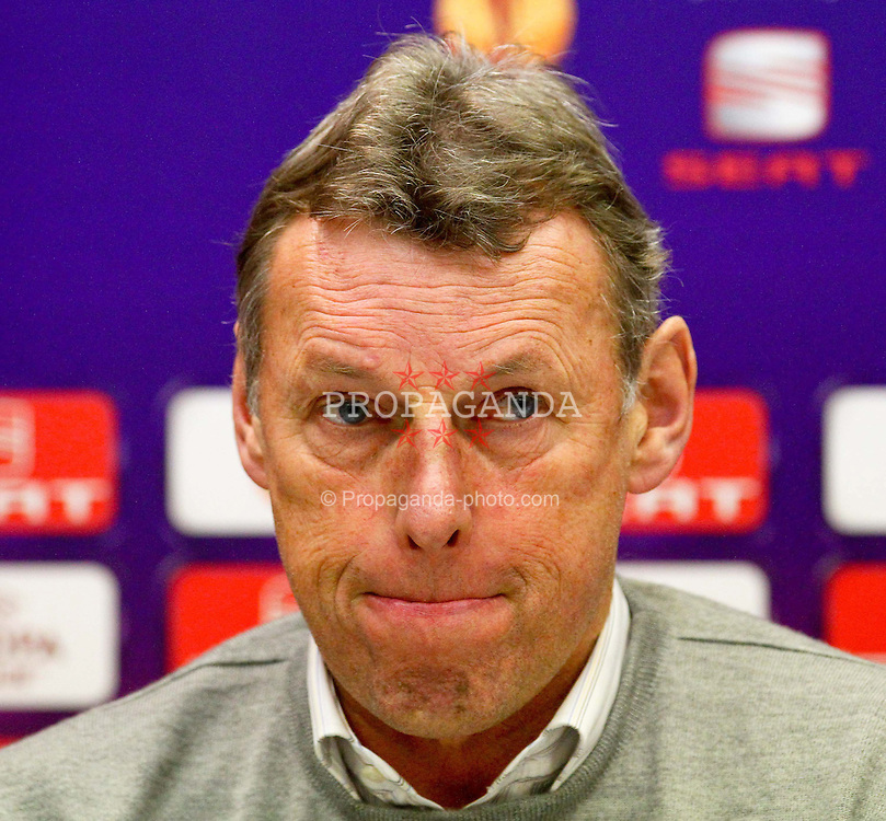 14.12.2011, Generali Arena, Wien, AUT, UEFA EL, Gruppe G, FK Austria Wien (AUT) vs Malmoe FF (SWE), im Bild Karl Daxbacher, (FK Austria Wien, Headcoach) bei der Pressekonferenz // during the press conference of UEFA Europa League, Group F, between FK Austria Wien (AUT) and Malmoe FF (SWE) at Generali Arena, Wien, Austria on 14/12/2011. EXPA Pictures © 2011, PhotoCredit: EXPA/ T. Haumer