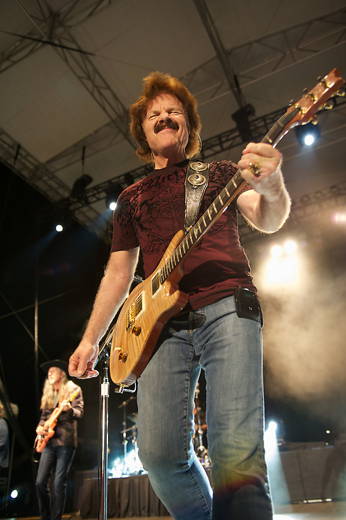 Tom Johnston of the Doobie Bros performs at Tulalip Amphitheater. Photo by John Lill