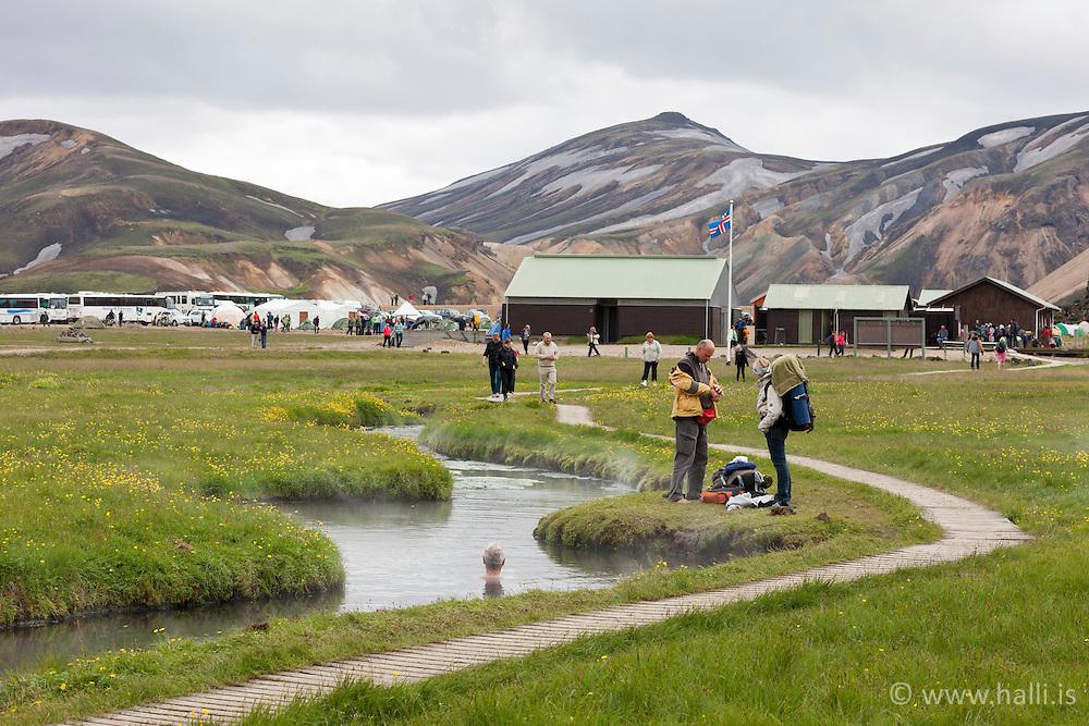 People bathing in geothermal area, Landmannalaugar - fólk baðar sig í heitum laugum, Landmannalaugar