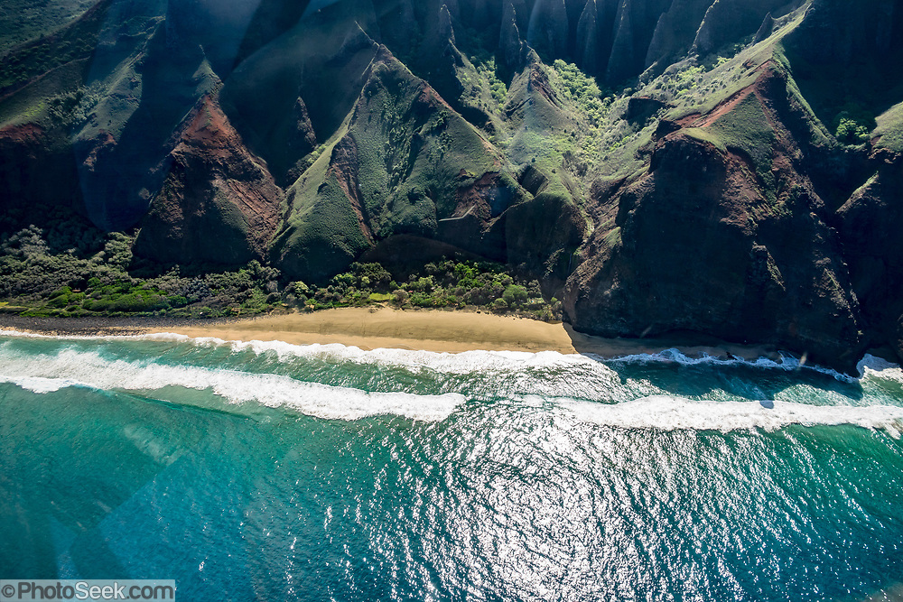 Kalalau Beach, seen through helicopter windshield along Na Pali Coast, island of Kauai, Hawaii, USA.