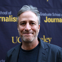 Director Jon Stewart arrives at the Berkeley Repertory Theatre to speak with UC Berkeley Graduate School of Journalism students about the film Rosewater, on Tuesday, Oct 21, 2004. (Photo/Alex Menendez/ UC Berkeley Graduate School of Journalism)