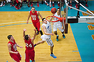 12/3/14 – Medford/Somerville, MA – Tufts forward Vincent Pace, A18, goes for a layup in Tufts' game against WPI on December 3, 2014. (Evan Sayles / The Tufts Daily)