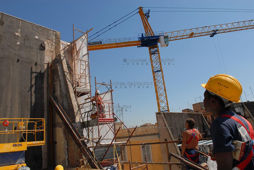 060717 cantiere piazza vittorio 009 jpg andrea sabbadini for Cantiere di costruzione