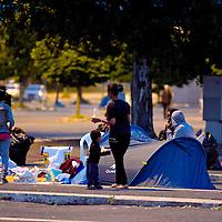 Migranti sgomberati da 5 giorni  vivono per la strada.