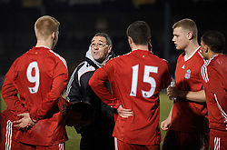 BRISTOL, ENGLAND - Thursday, January 15, 2009: Liverpool's manager Hughie McAuley picks the penalty takers for the shoot-out against Bristol Rovers during the FA Youth Cup match at the Memorial Stadium. (Mandatory credit: David Rawcliffe/Propaganda)