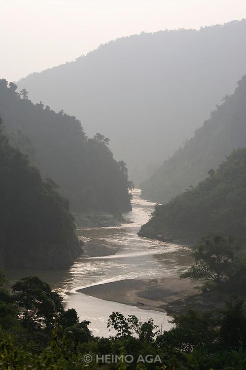 The Da (Black) River.