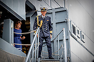 ROTTERDAM - Prince Maurits was promoted on Friday in the presence of family to Captain of the Sea at the Royal Navy Reserve. This was done by General Navy of the Navy and the Chief of the Military House of King Willem-Alexander, Hans van der Louw. The ceremony found aboard the naval ship Zr. Ms. Karel Doorman place. Among the attendees, including princess Margriet and Pieter van Vollenhoven, the parents of Maurits, are wife princess Maril&egrave;ne and son Lucas and brother Prince Pieter-Christiaan.<br /> Prince Maurits was promoted to captain-lieutenant at sea on May 1, 2013, day after the inauguration of his cousin as a king, and was also appointed as an extraordinary adjudicator. ROBIN UTRECHT ROTTERDAM - Prins Maurits is vrijdag in het bijzijn van familie bevorderd tot Kapitein ter Zee bij de Koninklijke Marine Reserve. Dat gebeurde door generaal Verkerk van de Marine en de Chef van het Militaire Huis van koning Willem-Alexander, Hans van der Louw. De ceremonie vond aan boord van het marineschip Zr. Ms. Karel Doorman plaats. Onder de aanwezigen onder meer prinses Margriet en Pieter van Vollenhoven, de ouders van Maurits, zijn echtgenote prinses Maril&egrave;ne en zoon Lucas en broer prins Pieter-Christiaan.<br /> Prins Maurits werd op 1 mei 2013, daags na de inhuldiging van zijn neef als koning, bevorderd tot kapitein-luitenant ter zee en bovendien aangesteld als adjudant in buitengewone dienst. ROBIN UTRECHT