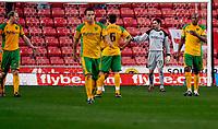 Photo: Alan Crowhurst.<br />Southampton v Norwich City. Coca Cola Championship. 16/12/2006. Norwich players hold an enquiry after Saints score.