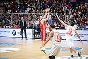 DESCRIZIONE : Milano Lega A 2015-16 Olimpia EA7 Emporio Armani Milano Openjobmetis Varese<br /> GIOCATORE : Milan Macvan<br /> CATEGORIA : Tiro Tre Punti <br /> SQUADRA : Olimpia EA7 Emporio Armani Milano<br /> EVENTO : Campionato Lega A 2015-2016<br /> GARA : Olimpia EA7 Emporio Armani Milano Openjobmetis Varese<br /> DATA : 11/10/2015<br /> SPORT : Pallacanestro<br /> AUTORE : Agenzia Ciamillo-Castoria/M.Ozbot<br /> Galleria : Lega Basket A 2015-2016 <br /> Fotonotizia: Milano Lega A 2015-16 Olimpia EA7 Emporio Armani Milano Openjobmetis Varese