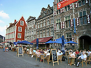 Belgie, Gent, 8-9-2005..Terrassen aan de Korenlei...Foto: Flip Franssen/Hollandse Hoogte