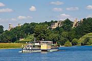 Elbe und Elbschlösser, Dampfer, Dresden, Sachsen, Deutschland.|.river Elbe, Elbe castles, steamer, Dresden, Germany
