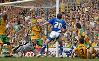 Photo: Ashley Pickering.<br /> Norwich City v Ipswich Town. Coca Cola Championship. 22/04/2007.<br /> David Wright of Ipswich (no. 20) sneaks the ball past Norwich goalie Tony Warner to score the equaliser