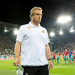 25.08.2016, Allianz Stadion, Wien, AUT, UEFA EL, SK Rapid Wien vs FK AS Trencin, Play off, Rueckspiel, im Bild Trainer Michael Bueskens (SK Rapid Wien)// during the UEFA Europa League Play off 2nd Leg Match between SK Rapid Wien and FK AS Trencin at the Allianz Stadion, Vienna, Austria on 2016/08/25. EXPA Pictures © 2016, PhotoCredit: EXPA/ Sebastian Pucher