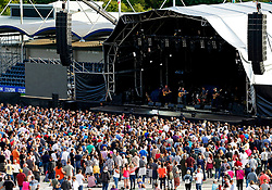 Fans gather by the stage to watch The Dunwells perform at Sixways Stadium - Mandatory by-line: Matt McNulty/JMP - 14/07/2017 - Sixways Stadium - Worcester, England